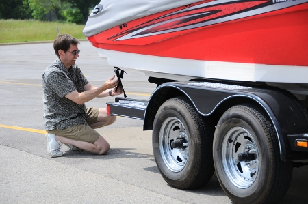 securing a boat to a trailer